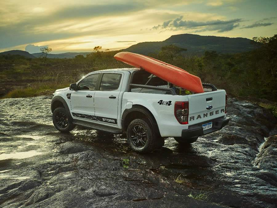 Ford lança a Ranger Storm, uma picape off-road de raça, radical e exclusiva