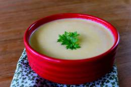 Receita Superbom: Sopa de Inhame com vegan cheese